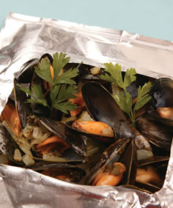 Fresh Mussels with Pesto